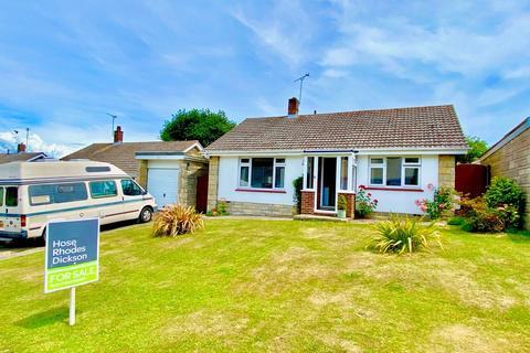 2 bedroom detached bungalow for sale - Marina Avenue, Ryde