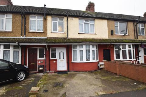 3 bedroom terraced house for sale - Harefield Road, Luton