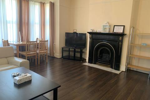 2 bedroom maisonette to rent - Bury Street, London