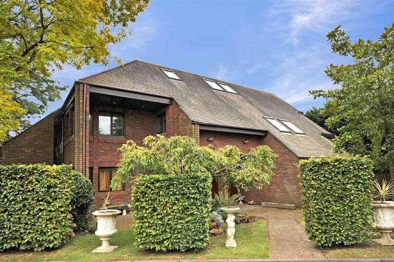 7 Bedrooms Detached House for sale in Parklands Close, East Sheen, London