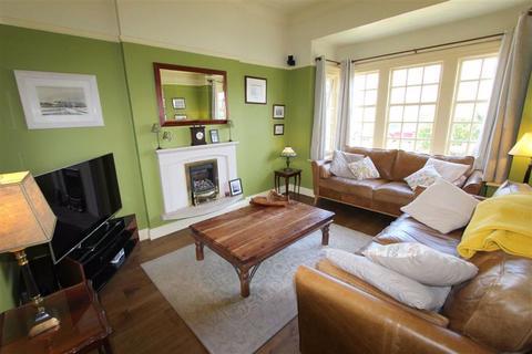 3 bedroom semi-detached house for sale - St. Davids Road North, Lytham St. Annes, Lancashire