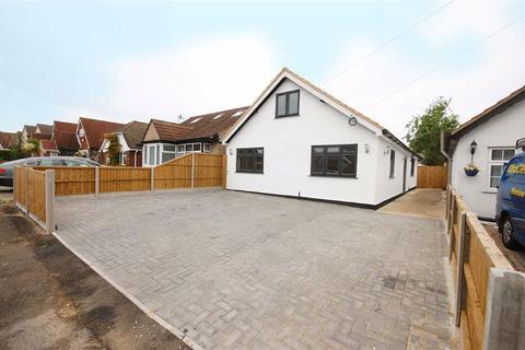 4 bedroom detached bungalow for sale - Copperfield Avenue, Uxbridge