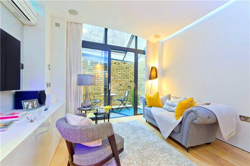 2 Bedrooms Flat for sale in Bedfordbury, Covent Garden, London