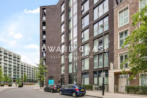2 bedroom apartment to rent - Cutter House, Royal Wharf, E16