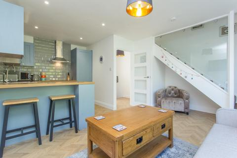 3 bedroom maisonette for sale - Magdalen Court, Broadstairs