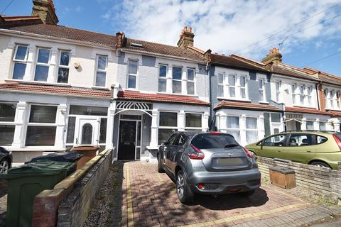 4 bedroom terraced house for sale - Higham Station Avenue, Chingford, London. E4 9AY