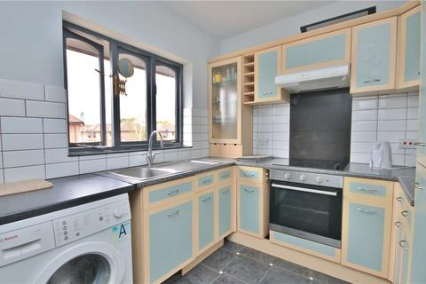 2 bedroom apartment to rent - Vicarage Way, Colnbrook, Slough, SL3