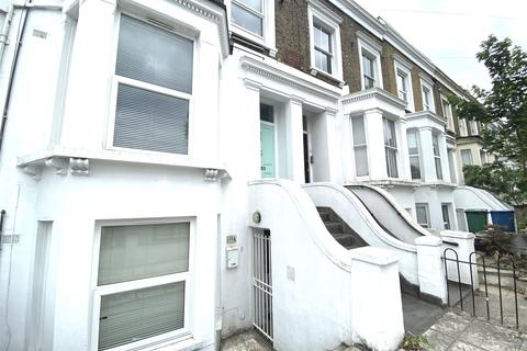 3 bedroom apartment to rent - Chadwick Road, Peckham, SE15