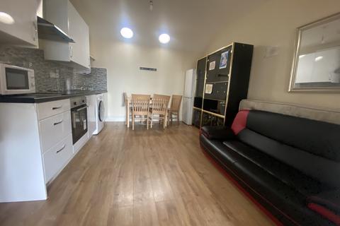 1 bedroom apartment to rent - Lampton Avenue, Hounslow TW3