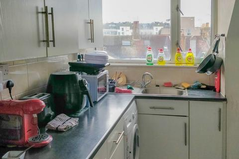 2 bedroom flat share to rent - Rowlands Court, Rowlands Road, Worthing, BN11 3JG