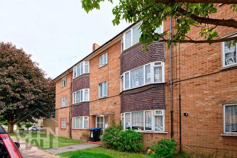 2 bedroom flat for sale - Severn Drive, Enfield , Enfield, EN1