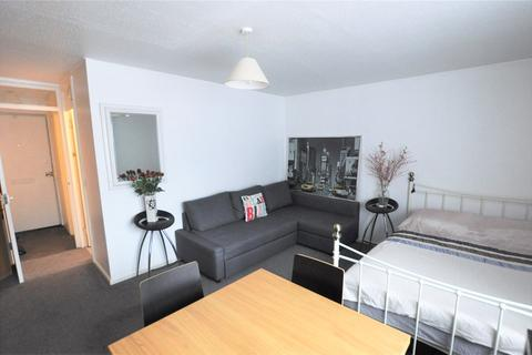 Studio for sale - Fleetwood Court, Douglas Road, Stanwell, Staines-upon-Thames, TW19
