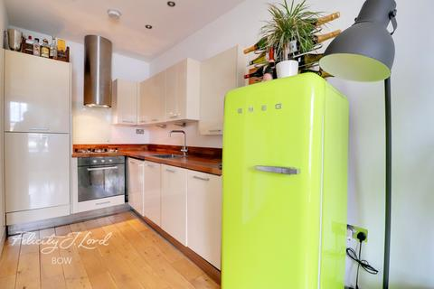 1 bedroom flat for sale - Bow Road, London, E3