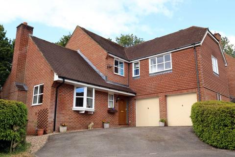 4 bedroom detached house for sale - The Thorns, Marlborough