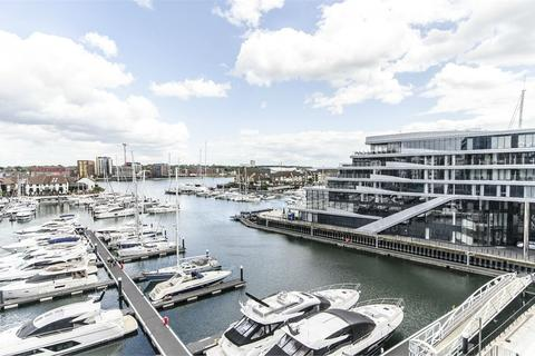 2 bedroom flat for sale - 1 Maritime Walk, Ocean Village, Southampton, Hampshire