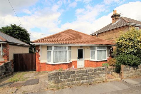 2 bedroom detached bungalow for sale - Alcester Road, Parkstone, POOLE, Dorset