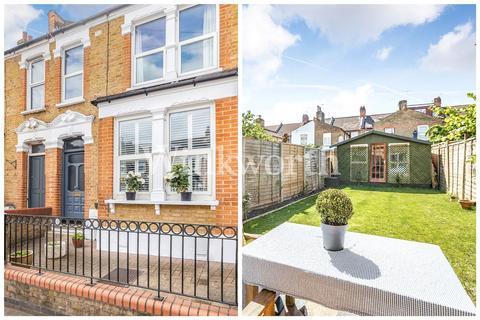 3 bedroom terraced house for sale - Black Boy Lane, Harringay, London, N15