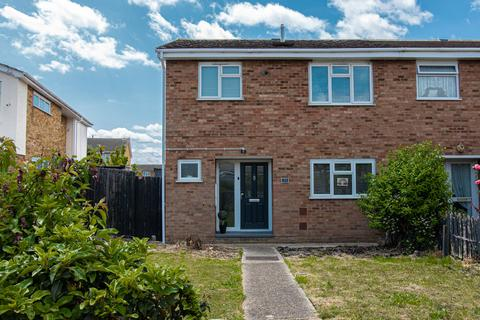 3 bedroom semi-detached house for sale - Central Wall Road, Canvey Island