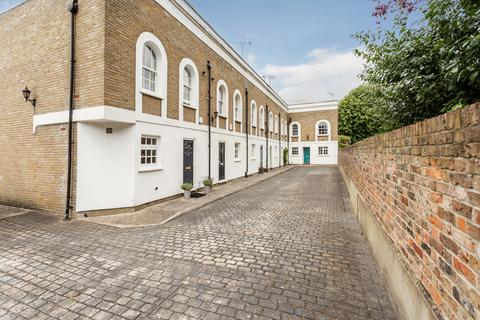 2 bedroom terraced house for sale - Pembroke Mews, E3