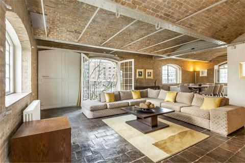 3 bedroom flat to rent - Ivory House, East Smithfield, St Katharine Docks, London