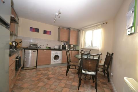 3 bedroom flat to rent - Brunswick Road, Edinburgh      Available 30th July