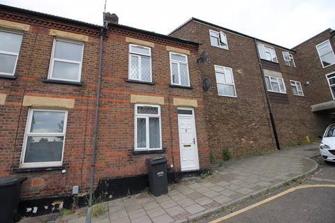 3 bedroom terraced house to rent - William Street, Luton