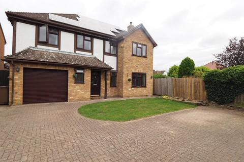 4 bedroom detached house for sale - Restharrow Road, Weavering, Maidstone