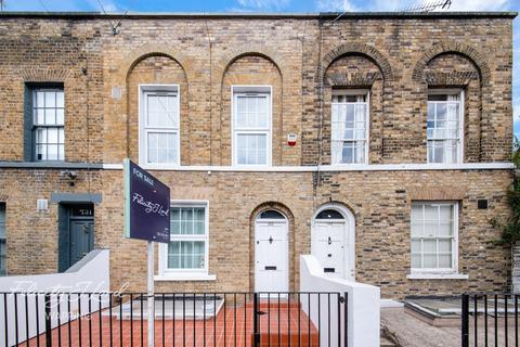 3 bedroom terraced house for sale - White Horse Road, London