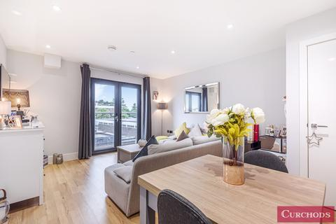 1 bedroom flat for sale - Lavender Park Road, West Byfleet, KT14