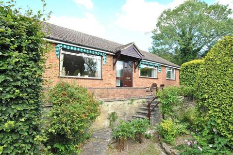 3 bedroom bungalow for sale - Crawshay Drive, Emmer Green, Reading