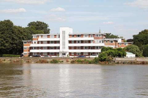 1 bedroom apartment for sale - Hartington Court, Chiswick, W4