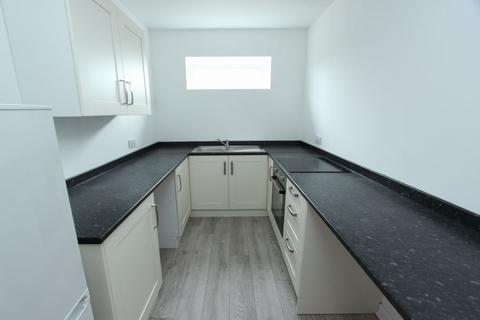2 bedroom flat to rent - Gleneagles Road, Little Sutton, Ellesmere Port, CH66