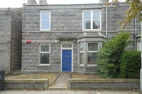 3 bedroom flat to rent - Orchard Street, Aberdeen AB24