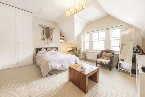 5 bedroom semi-detached house to rent - Schubert Road, SW15