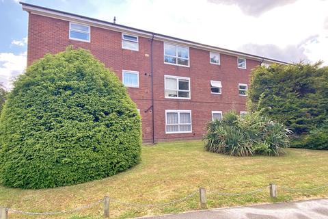 Studio to rent - Greenwood Close, Sidcup, Kent, DA15 9AD