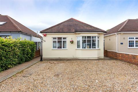 3 bedroom detached bungalow for sale - Barton Road, Hornchurch, RM12