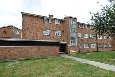 2 bedroom apartment for sale - Waycross Road, Cranham RM14
