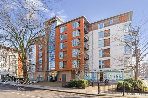 1 bedroom flat for sale - Tredegar Road, LONDON E3 2GP