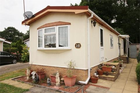 2 bedroom park home for sale - First Avenue, Galley Hill, Waltham Abbey, Essex