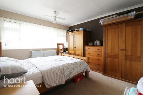 4 bedroom semi-detached house for sale - Cloche Way, Swindon