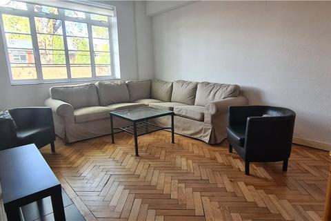 3 bedroom apartment to rent - Latymer Court, Hammersmith Road, London, W6