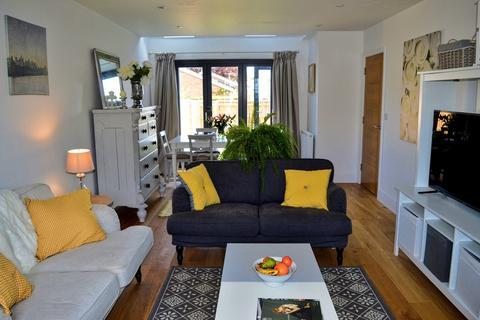 4 bedroom semi-detached house to rent - Banbury Road, Kidlington