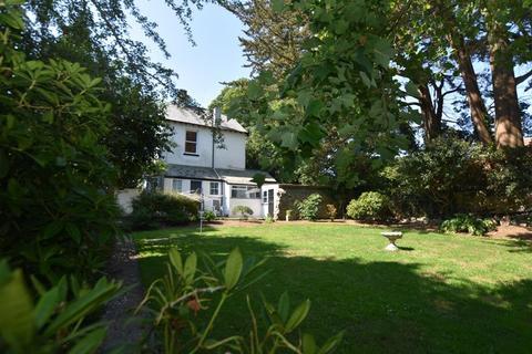 3 bedroom detached house for sale - Callington Road, Saltash