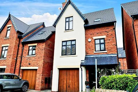 4 bedroom detached house to rent - Waters Way, Worsley, M28 2AH