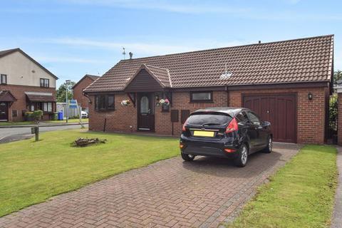 2 bedroom detached bungalow for sale - Fenton Close, Widnes