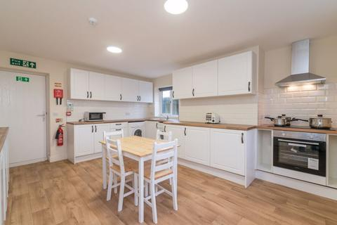 6 bedroom terraced house to rent - Wigan Road, Deane, Bolton.
