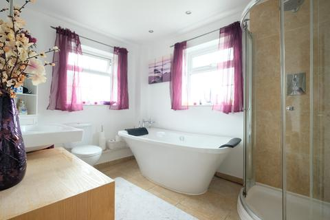3 bedroom semi-detached house for sale - Bonington Chase, Springfield, Chelmsford, CM1