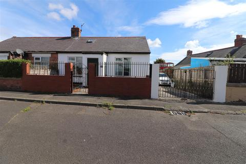 1 bedroom semi-detached bungalow for sale - Pelaw Avenue, Newbiggin-By-The-Sea
