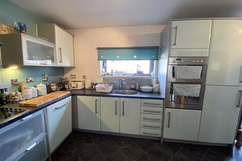 4 bedroom townhouse for sale - St Catherines Court, Marina, Swansea