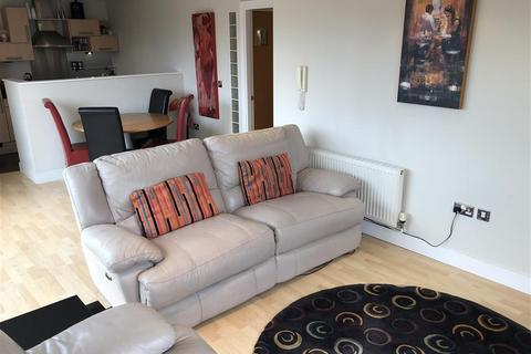 2 bedroom flat to rent - Admiral Court, Bowman Lane, Leeds, LS10 1HP